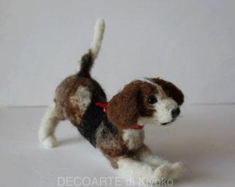 Beagle in felt, needle felting mini dog