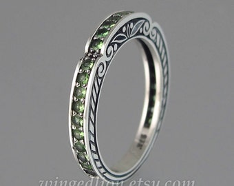 CARYATID wedding band in sterling silver with Tsavorites - green garnets