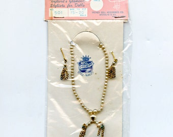 """Doll Jewelry Earrings Necklace Pearls Chain PREMIER 15 - 20 """" Japan 1950s on Original Card Graphics Adorable 501 1167"""