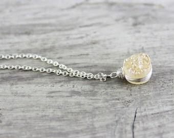 Druzy Quartz Necklace, Druzy Gemstone Necklace, Peach Druzy Necklace, Wire Wrap Necklace, Small Pendant Necklace, Delicate Chain Necklace