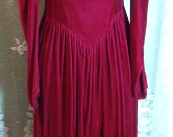 Red velvet  dress puff sleeve bow gown goth  Medium, ON SALE, from vintage opulence on Etsy