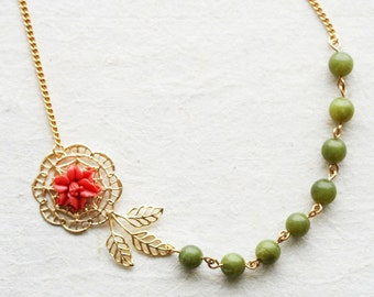 Coral Flower Necklace Green Necklace Vintage Jewelry Coral and Green Beaded Necklace