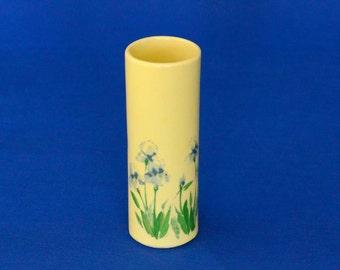 McCoy Vase with Iris Motif - McCoy Pottery USA 675 - Bud Vase - Flower Vase