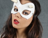 SALE Minx mask in white leather