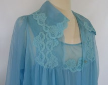 Blue Peignoir Set / Lace and Chiffon Long Nightgown and Long Robe Set / Size Medium Blue Robe and Nightgown Ensemble / Blue Sleepwear