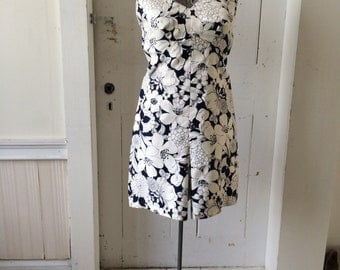 1960s Sexy Cotton Retro Floral Illustration Graphic One Piece Skort Romper Scooter Dress Navy on white Size 9 - 10