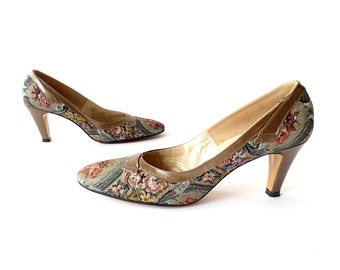 Vintage 1960s Shoes / Tapestry Shoes / 60s Heels / Size 8