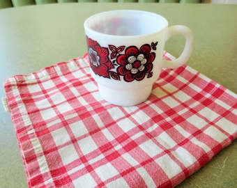Vintage Mug, Flower Mug, Stacking Mug, Floral Mug, Made in Japan, Stacking Cup, Coffee Cup, Kawaii Zakka, 1960s Mug, Ceramic Mug Red Flowers