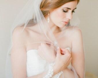 CELINE Fingertip wedding veil with French Alencon lace trim