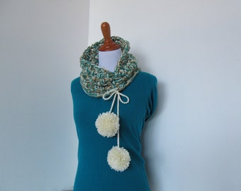 Crochet Cowl Pattern: Cheer Squad Cowl