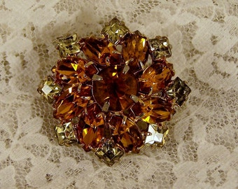 Vintage Dark Amber Rhinestone Oval Brooch, Wedding Bridal Estate Costume Jewelry, Prong Set Stones Brown Citron Wreath Pin, Centerpiece