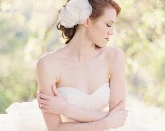 Wedding hair accessory, Wedding Headpiece, Flower hair comb, Bridal Hairpiece, Ivory hairpiece, Floral Hair comb - Style 220