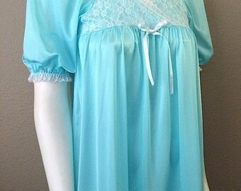 Vintage Sleepwear Women's 60's Le Voy's, Nightgown, Turquoise, Lace, Full Length (S/M)