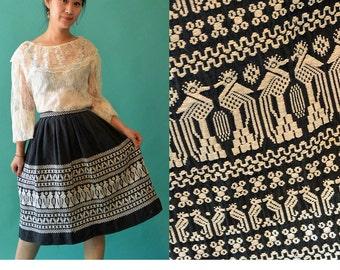 Vintage 70s High Waist Pleated Skirt / Ethnic Embroidered Skirt / Tribal Border Skirt / 1970s Bohemian Black Vintage Skirt S / Small