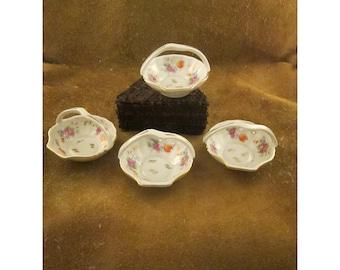 Handled Floral Shell Basket with Multicolored Flowers & Gold Trim – Set of 4 Individual Nut Dishes or Salt Dips – Vintage Japan Porcelain