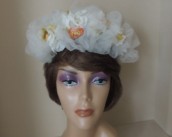 1960's White Spring Floral Crown. Gathered White Tulle Lace and Fabric Flowers Headpiece. Mid Century Bridal BoHo Hairpiece