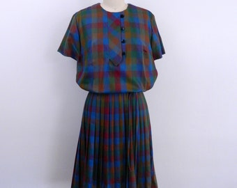 1950s Dress ..  Vintage  50s  Plaid Day Dress with Pleated Skirt  ... Size  Small to Medium