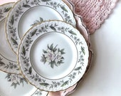 Royal Jackson China Plates. Shabby Cottage Chic Wall Decor. Fleur de Blanc Pattern. White Magnolia Blooms. Gold Scalloped. set of 4