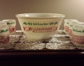 Tom and Jerry Holiday Punch Bowl Set from Hazel Atlas  Seven Pieces in original Box