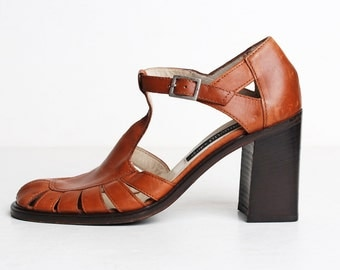 Vintage 90s Brown Leather Sandals / T Strap Shoes / Leather Cutout Pumps, 7 37