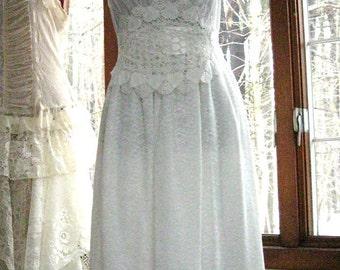 XS-SM Simple white wedding dress, city hall wedding dress, short wedding dress, simple reception dress, US size 2 - 6