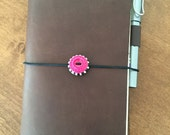 Midori Traveler's Travelers TN notebook vintage button elastic closure