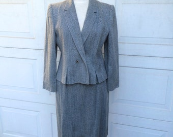 Gray Tweed Women's Skirt Suit | Grey Peplum Jacket | Straight Skirt Set | 80s Vintage | Medium Large