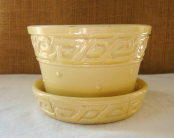 VINTAGE MODERN MCCOY Yellow Pottery Planter Mid Century Modern Art Pottery McCoy Americana  Pottery Company