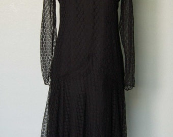 1920s Antique Silk Lace Dress // Polka Dot Lace // Illusion Bodice // Fully Lined // Darling Deco Details // Medium