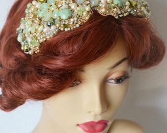 Bridal Emerald and Gold Rhinestone Headband,Gold beaded rhinestone headpiece,1920s,Gatsby headband with Jade,Emerald,Green,sash
