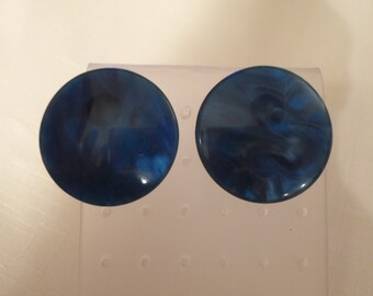 Vintage / BLUE MOONGLOW / Earrings / Pierced / Lucite / Nylon / Cat Eye / Marbled / Modernist / Retro / Hip / Trendy / Chic / Accessories