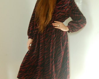 1960s Vintage Japanese Wine Red Velvet Dress M-L