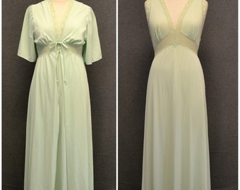 1960s Shadowline Pale Green Robe and Gown Set