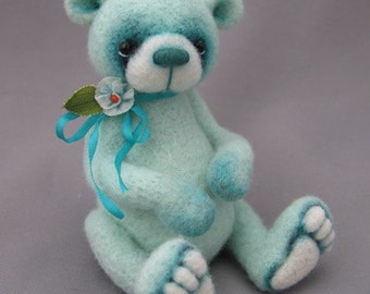 Needle felted miniature artist bear by Blueberry Creations