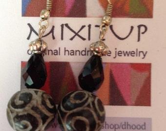 carved jade earring #307