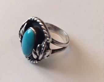TURQUOISE STERLING SILVER Large Native American Ring 4.8 Grams Size 6