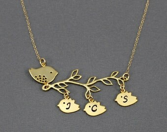 Gold Personalized Mother Bird Necklace Family Tree Jewelry New Mom Bird Necklace Initial Necklace Mothers Gold Jewelry Gift For Grandma