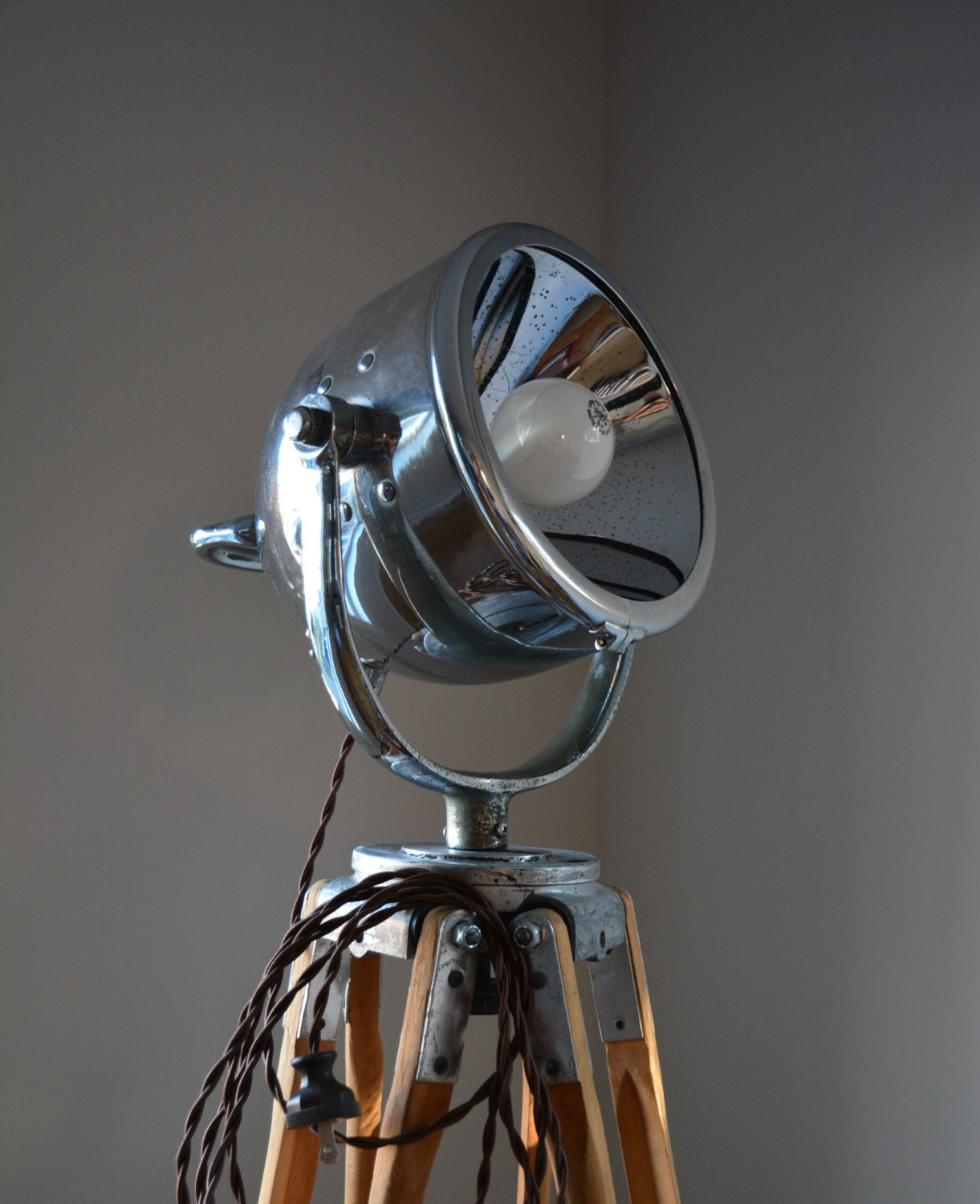 Nautical spotlight tripod floor lamp - Tripod spotlight lamp ...