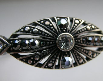 Silver bangle with marcasites and rhinestones        VJSE