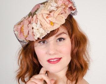 1940s vintage hat / tilt hat / Victoria