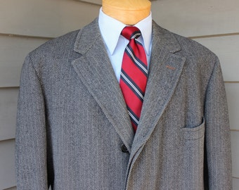 vintage 1950's -Brooks Brothers- Men's Tweed overcoat. Bold Black / Grey herringbone - wool. Size 44 - 46 Regular.
