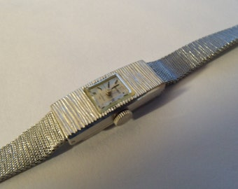 Ladies Watch Seiko Thin Narrow 17J Wind Up Mechanical