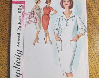 "1960s EASY Tapered Sheath Gown with Patch Pockets - Retro BEACH Wear - Size 12 (Bust 32"") - VINTAGE Sewing Pattern Simplicity 5245"