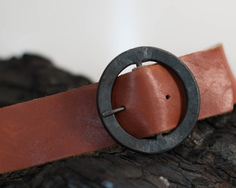 sale // rugged leather belt - L