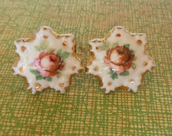 Vintage Screw Back Earrings China Painted Roses Gold Pink 50's (item 193)