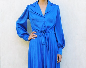 """Vintage pleated long sleeved dress, medium - royal blue . . . . . """"Like"""" our fb page for 10% discount"""