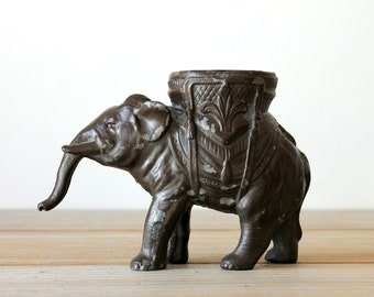 Vintage boho decor metal elephant / eclectic global style home decor / rustic elephant desk decor / ethnic style home / elephant figurine