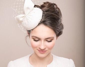 Bridal Fur Felt Pillbox with Veil, Bridal Hat with Birdcage, Vintage inspired Pillbox