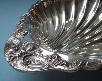Vintage F.B. Rogers Silverplated Scalloped Bowl #1730