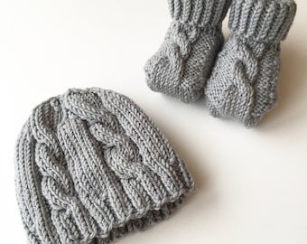 Dasch Hat and Booties SET - Cable Knit Baby Hat and Booties - Choose your color - Hand Knit